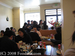 Image of a busy restaurant